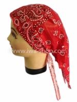 หมวกผูก ลาย Paisley แดง