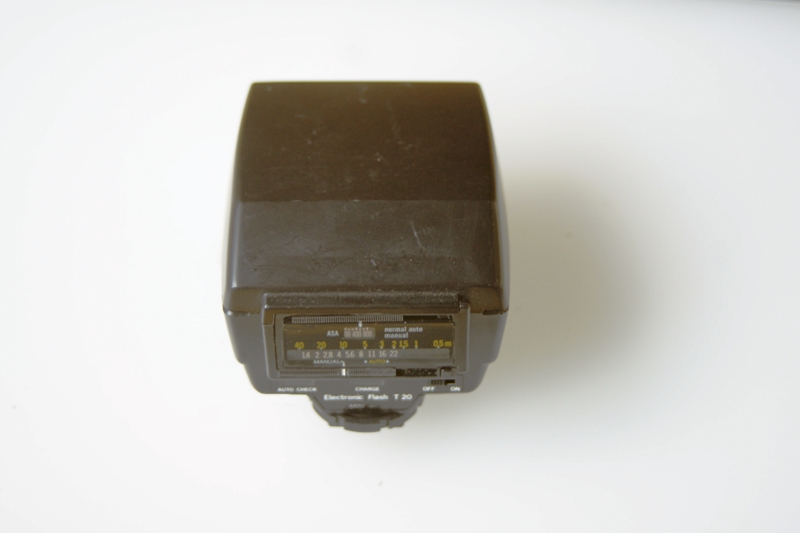 OLYMPUS ELECTRONIC FLASH T20