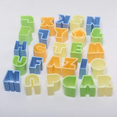 พิมพ์กดคุกกี้ วุ้น ผัก หรือดินปั้น ตัวอักษร A-Z น่ารักๆ