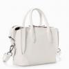 พร้อมส่ง ขาว ดำ เหลือง Zara Gussetted shopper bag ข้างในมีกระเป๋าแยกอีก 1 ใบ สายยาว119cm. ถอดได้ สี: ขาว/ดำ Size : 24x19.5x10cm ***งานชนช็อป*** ราคาปลีก 1,490฿ มาสีแค่สามใบนะคะ