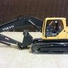 โมเดลรถก่อสร้าง VOLVO EC210B 2013 Hydraulic Excavators 1:35