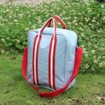 กระเป๋าสะพาย หิ้วขึ้นเครื่องได้ รุ่น 1 (สีน้ำเทาอมฟ้า สายแดง)