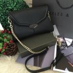 CHARLES & KEITH SMALL CLUTH กระเป๋าสะพายทรงคลัชรุ่นใหม่ล่าสุดเเบบชนช็อป