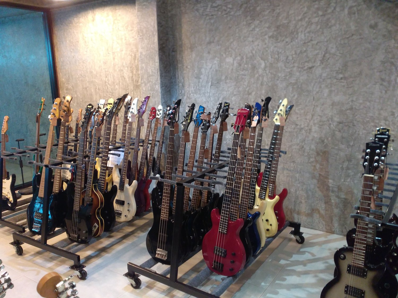 ร้านขายกีต้าร์มือสองญี่ปุ่น guitarjapan.net