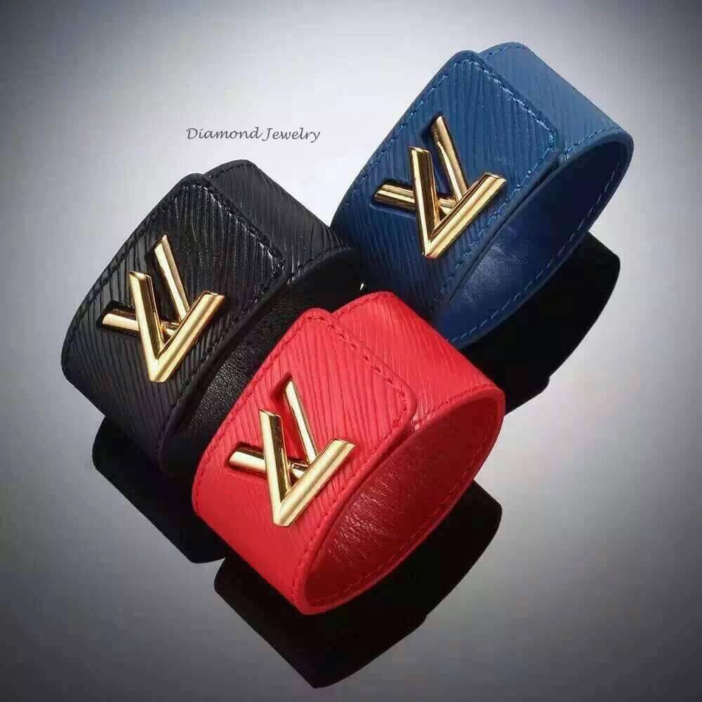 พร้อมส่ง Louis Vuitton leather bangle กำไลหนังแท้หลุยส์ วิตตอง
