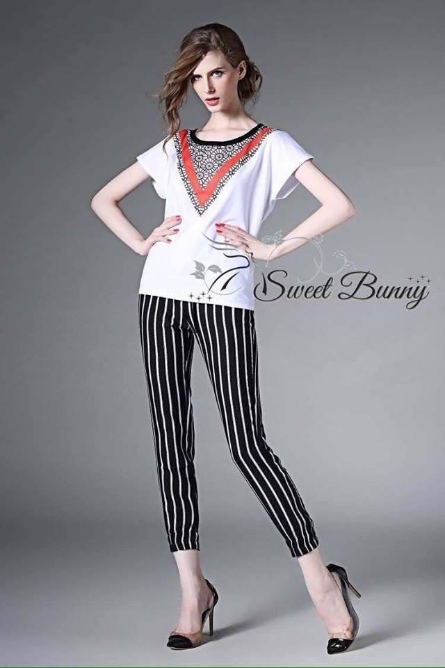 เสื้อผ้าเกาหลี พร้อมส่งเซ็ทเสื้อ+กางเกง ผ้าเนื้อดีสีขาวเนื้อหนามีน้ำหนัก