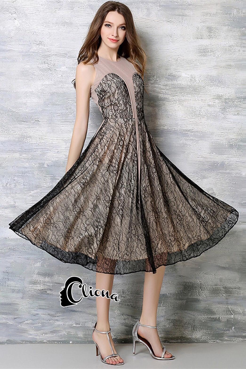 ชุดเดรสเกาหลีพร้อมส่ง Johana Luxury Lace Dress