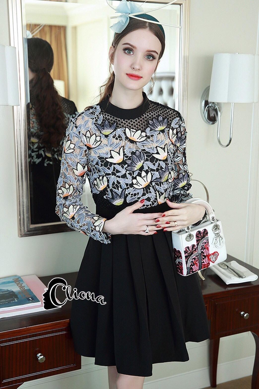 ชุดเดรสเกาหลีพร้อมส่ง All New Self P Floral LAce Luxury Dress