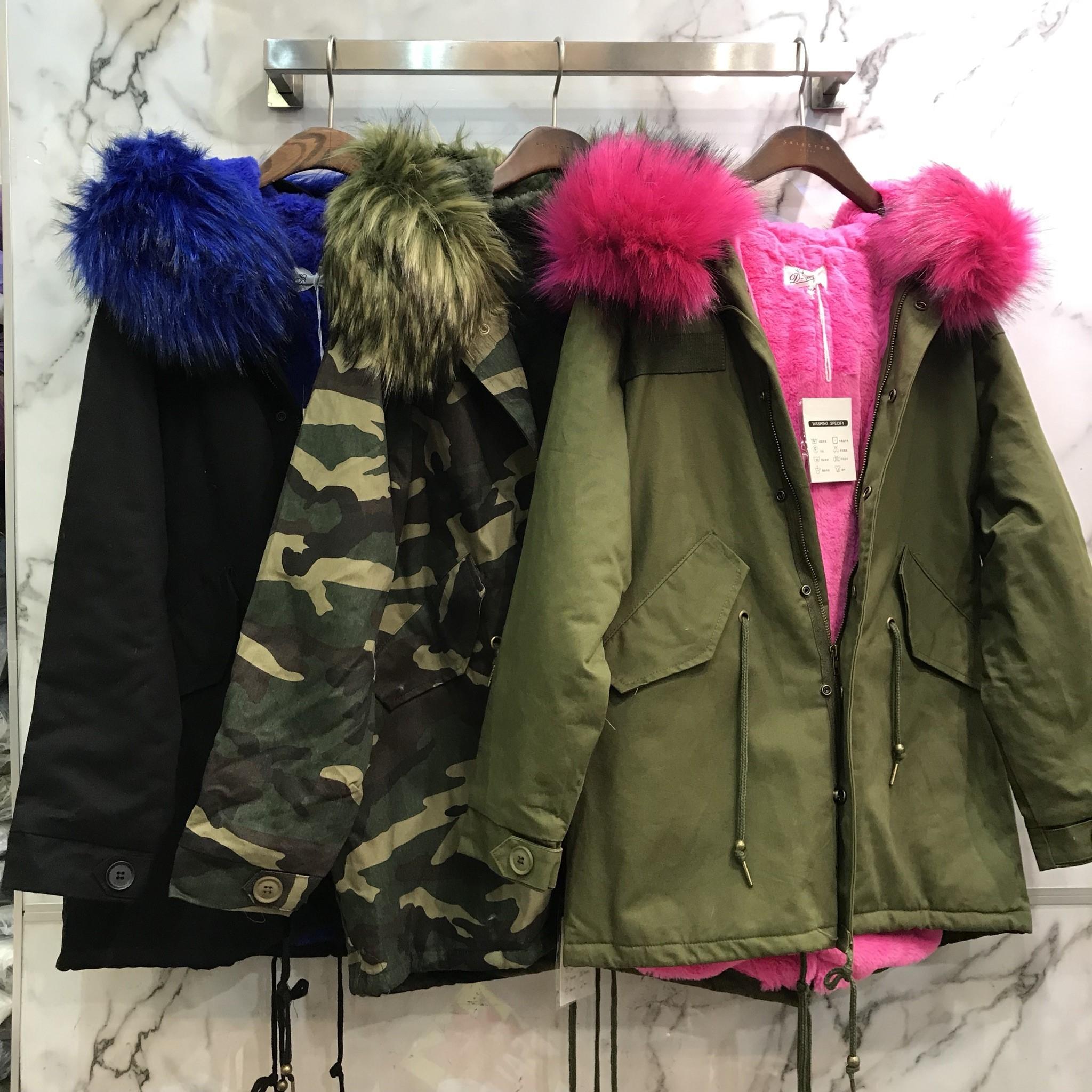เสื้อผ้าเกาหลีพร้อมส่ง เสื้อกันหนาวตัวยาว บุขนด้านในทั้งตัว มีฮู้ด