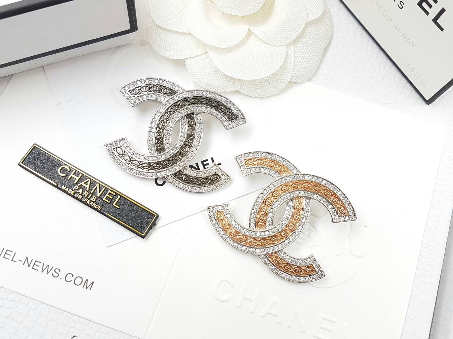 พร้อมส่ง Diamond Chanel Brooch เข็มกลัดชาแนล มีปั้ม Logo
