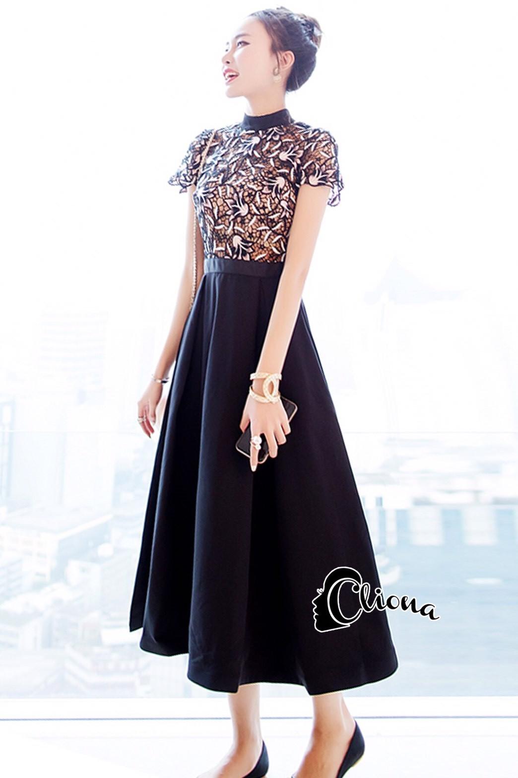 ชุดเดรสเกาหลี พร้อมส่งLong dress ลูกไม้ช่วงตัวบน ขาวดำ