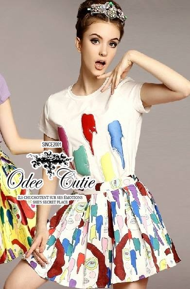 ( พร้อมส่ง) ชุดแมตช์เซ็ทเสื้อกับกระโปรง เสื้อt-shirt พิมพ์ลาย art work กระโปรงระบายรอบตัวเนื้อผ้าหนาเป็นทรงสวย พิมพ์ลวดลาย art work แมตช์กัน
