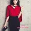 เสื้อผ้าเกาหลี พร้อมส่ง เสื้อสีแดง ทรงแขนค้างคาวกับกระโปรงเอวสูง