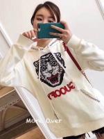 เสื้อจั้มเปอร์ Gucci มีฮู้ด ปักเลื่อมรูปเสือ