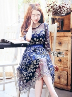 ชุดเดรสเกาหลีพร้อมส่ง เดรสผ้าทูลเลสีน้ำเงินปักลายดอกกุหลาบสีทอง
