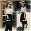 เสื้อผ้าแฟชั่นพร้อมส่ง จัมป์สูทผ้าลูกไม้ระบายสีขาวและกางเกงผ้าเครปสีดำ thumbnail 11