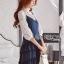เสื้อผ้าเกาหลี พร้อมส่งเซ็ตเสื้อผ้าลูกไม้แขนยาวสีขาวทับด้วยสายเดี่ยวผ้าเครปน้ำเงินเข้ม thumbnail 4