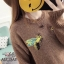 เสื้อผ้าเกาหลีพร้อมส่ง เสื้อไหมพรม แบบสวม ที่อกปักรูปผึ้งคู่ thumbnail 5