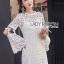 ชุดเดรสเกาหลี พร้อมส่งเดรสผ้าลูกไม้สีขาวสไตล์คลาสสิกเฟมินีน thumbnail 1