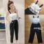 เสื้อผ้าแฟชั่นพร้อมส่ง จัมป์สูทผ้าลูกไม้ระบายสีขาวและกางเกงผ้าเครปสีดำ thumbnail 15
