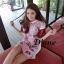 ( พร้อมส่งเสื้อผ้าเกาหลี) Mini Dress Maoklee สีชมพูหวานแหว๋ว รวมรูปอาหารเช้า น่าทานมากๆปลายแขนตัดด้วยสีแดงเหลือดหมูที่ทำจากหนัง PU (เป็นหนังนิ่มๆ) เนื้อผ้าหนานุ่มลายสกรีนตัวนี้คมชัด ชน Shop เลยนะคะ thumbnail 1