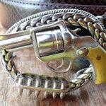 หัวเข็มขัดปืนลูกโม่ เน้นรูปร่าง มาตราส่วนเหมือนจริง(โม่หมุนได้)